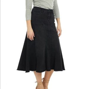 Esteez black denim fluted skirt frayed hem sz 6